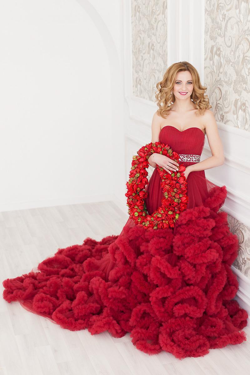 прокат платьев Пышное красное облако