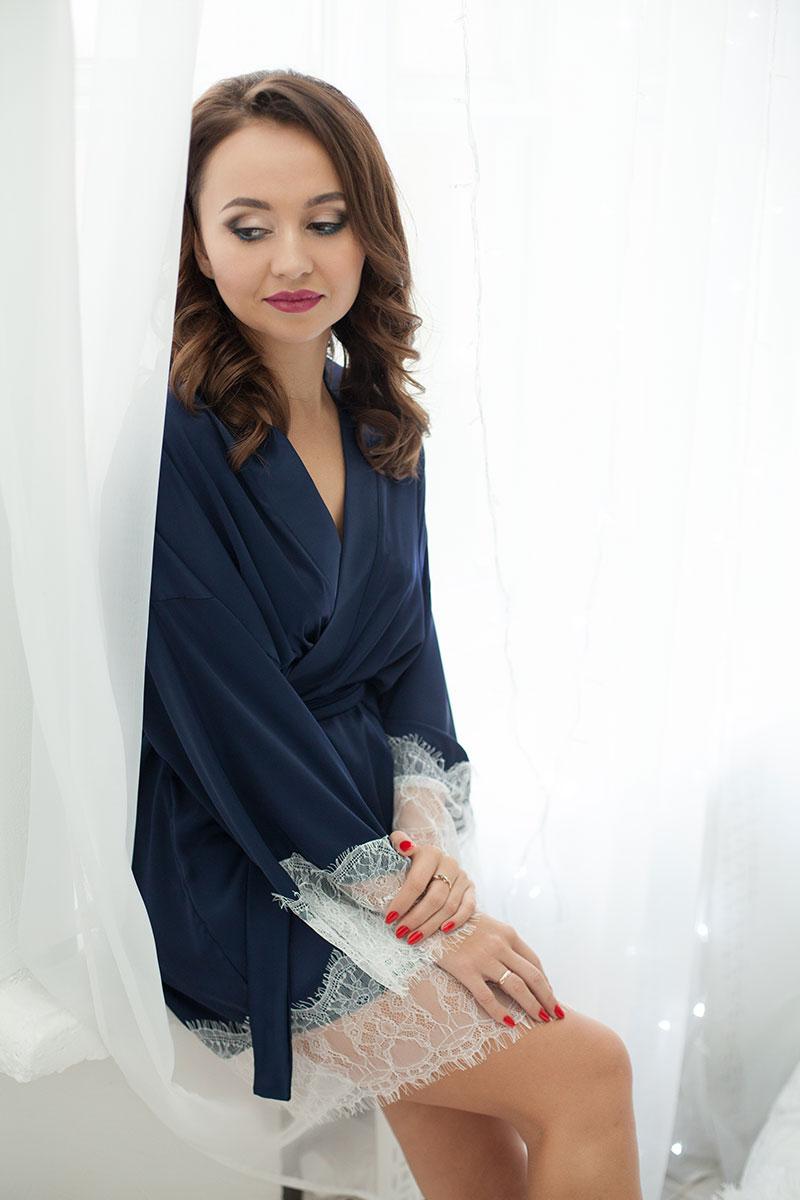 Синий халат с кружевом в прокат