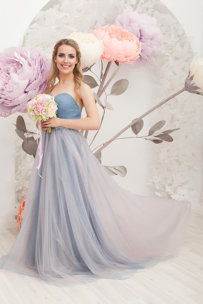 Прокат Голубо-розовое платье
