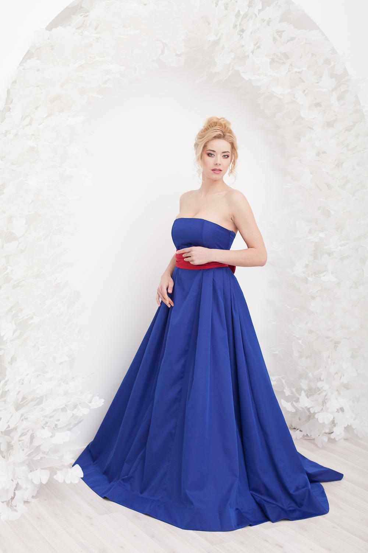 Платье Синее с красным поясом в прокат