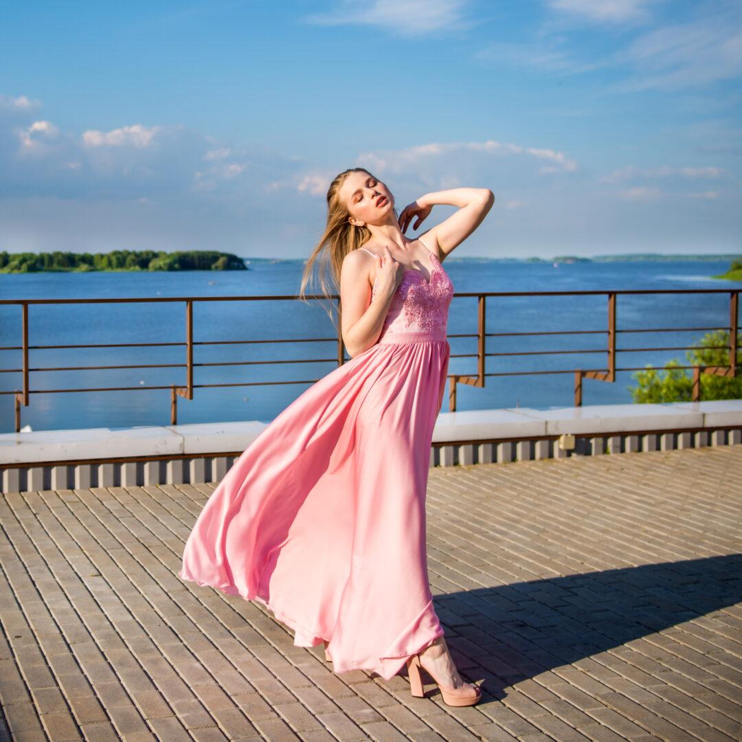 Платье Бриз (розовое) в прокат