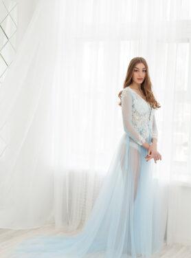 Будуарное платье нежно-голубого цвета