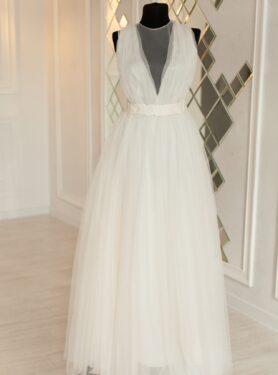 Очень интересное белое платье для фотосессии